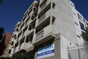 Apps, sites aim to transform apartment rental listings