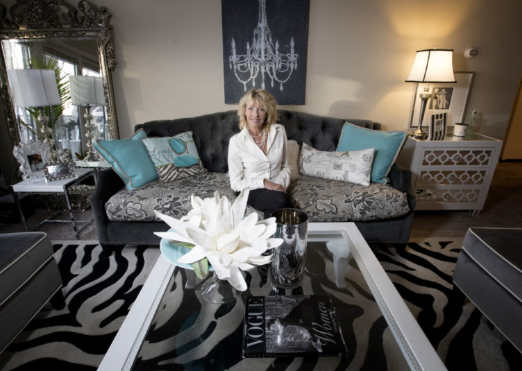 """Designer Sue Hunter photographed at her apartment in Minnetonka, Minn., which she decorated in contemporary style with """"French flair."""" (Carlos Gonzales/Minneapolis Star Tribune/TNS)"""